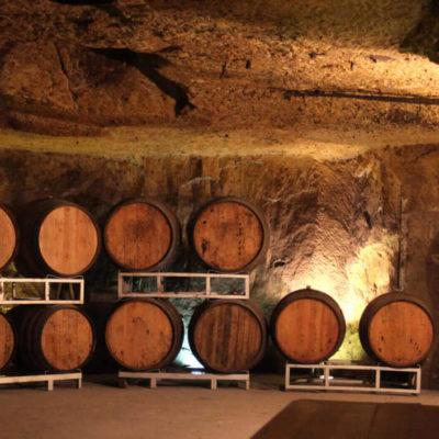home_slide_caves